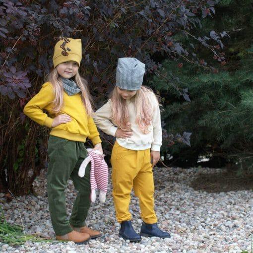 Cordhose für Kinder mit Bundfaltenhosen tannengrün