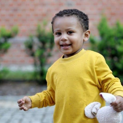 Sweatshirt für Kinder in senfgelb nachhaltig und fair