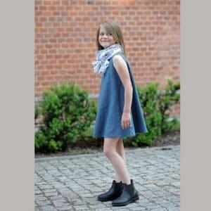 Mädchenkleid aus Leinen in petrol