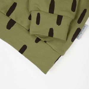 Bio Kinder Sweatshirt PIEK olivgrün mit braunem Printmuster Ausschnitt