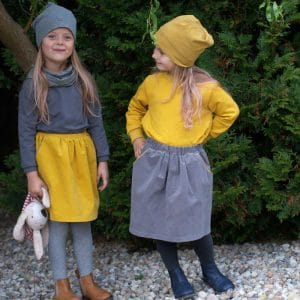 Kinder Cordrock hellgrau mit Paspeltaschen