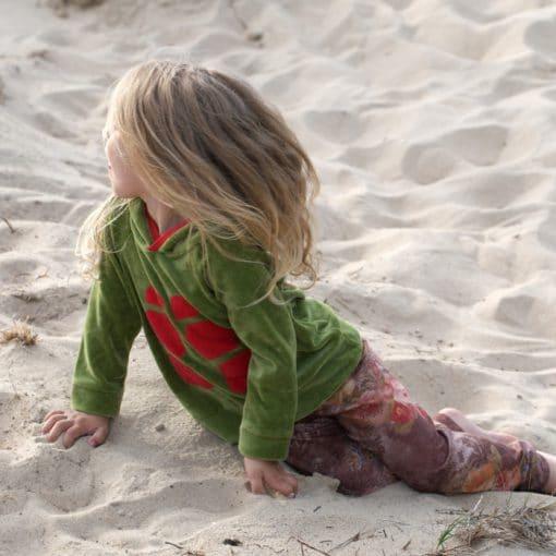 Nicki Kapuzenpullover Schildkröte am Strand