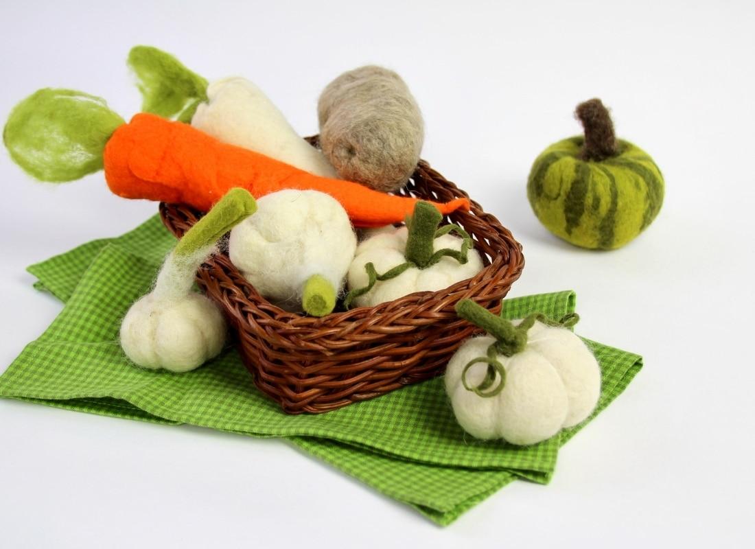 Basteln im Herbst: nassgeflitztes Gemüse