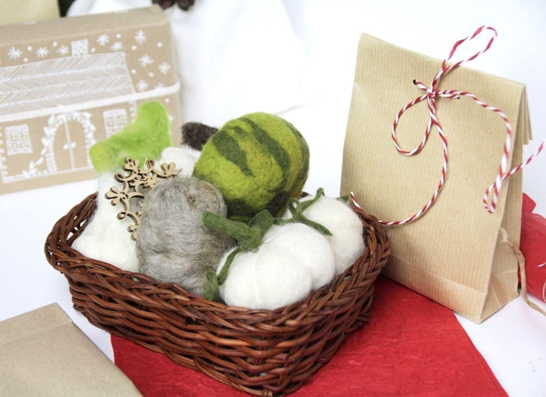 Nachhaltige Weihnachten: Gemüse aus Filz für den Kaufladen