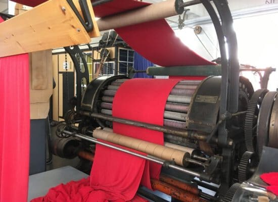 Historische Raumaschine mit Stahlbürsten
